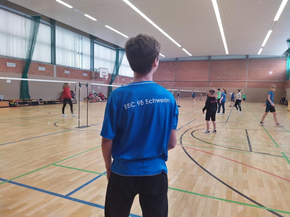8 Schweriner Spieler_innen zeigten ihr können beim RLT U19 in heimischer Halle